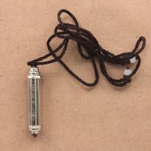 AK027-1 Амулет Цилиндр с мантрами внутри, 4см с чёрным шнурком