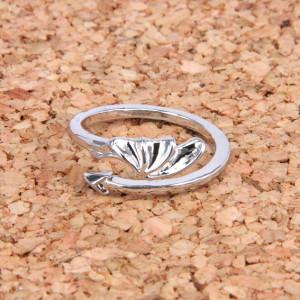 KL039 Кольцо Крыло и хвост дракона безразмерное, цвет серебр.