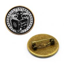 ZNA024 Значок Кот с книгой заклинаний, d.27мм, цвет бронз.